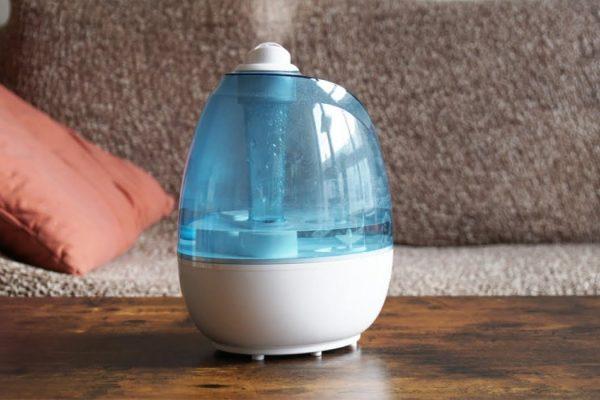 Purificateur d'air ou humidificateur : lequel choisir pour la chambre de bébé
