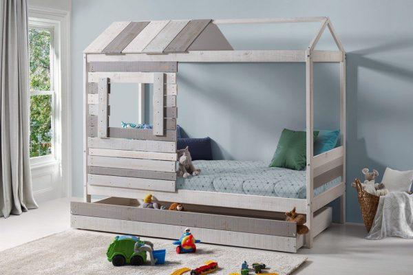 L'histoire du lit au sol qui s'est transformé en lit cabane enfant