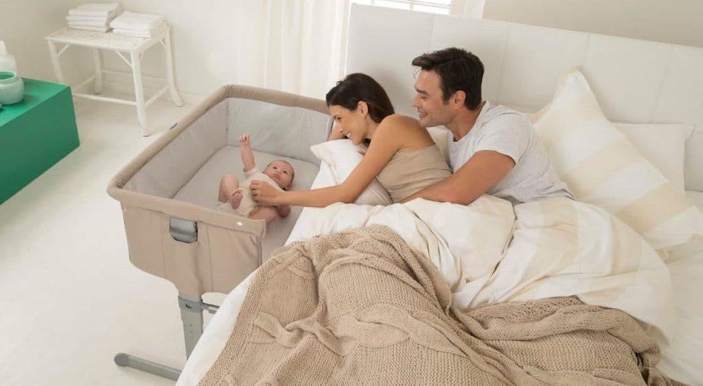 Le cododo : la solution la plus facile pour un long séjour avec son bébé