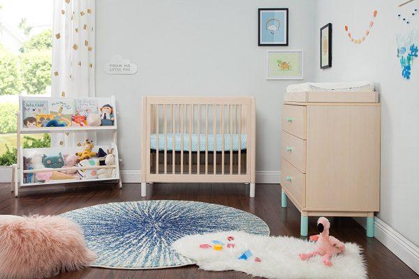 Est-il conseillé d'utiliser des répulsifs anti-moustiques dans la chambre du bébé ?